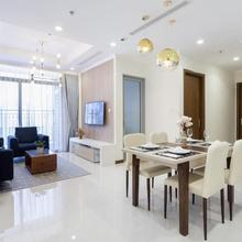 Laze Apartment *** Modern Apartment At Vinhomes Central Park in Ho Chi Minh City