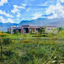 Lchang Nang Retreat in Hundar