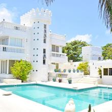 Le Castel Blanc Hotel Boutique in San Andres