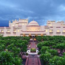 Le Meridien Jaipur Resort & Spa in Jaipur