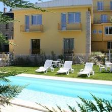 Le New's Hotel in Le Roc