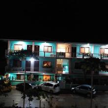 Lehns Hotel & Apartments in Koror