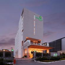 Lemon Tree Hotel, Gachibowli, Hyderabad in Hyderabad