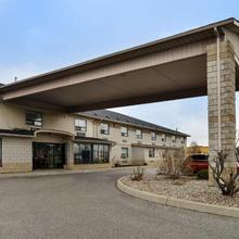 Lexington Inn & Suites-windsor in Windsor