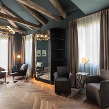 Liassidi Wellness Suites in Venice
