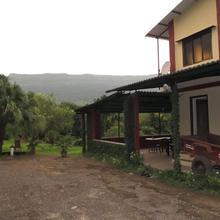 Liberty Farmhouse in Jambrung