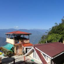 Little Singamari Home Stay in Darjeeling