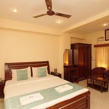 Lloyds Guest House in Chennai