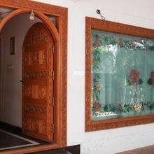 Lloyds Guest House, Krishna Street, T. Nagar in Chennai
