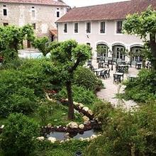 Logis Hostellerie Du Perigord Vert in Lasserre