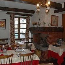 Logis Hotel De La Poste in Puy-laveze
