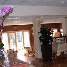 Logis Hotel Le Villon in Thoissey