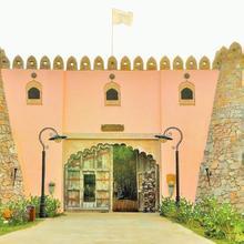 Lohagarh Fort Resort in Jaipur