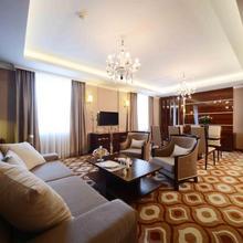 Lotte City Hotel Tashkent Palace in Tashkent
