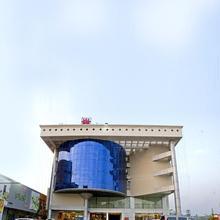 Lotus 8 Hotel in Alwaye