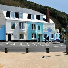 Lulworth Cove Inn in Bere Regis