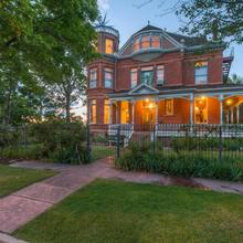 Lumber Baron Inn And Gardens in Denver