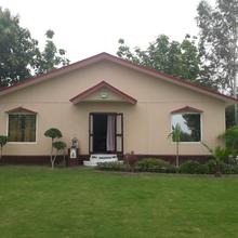 Lush Green Farm House On Heart Of Delhi in Greater Noida