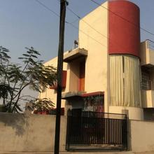 Luxurious Bungalow Entire Floor With Ac in Sillewada