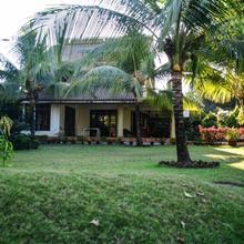 Luxury Villa With A Private Landscaped Garden in Virar