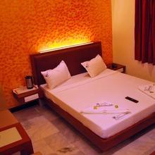 Hotel Shreenithi in Madurai