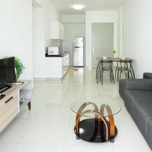M16 Home Away - Vacation Home In Pearl Of Orient in George Town