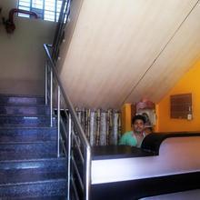 Maa Basanti Lodge in Islampur