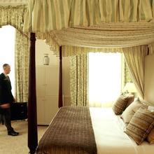 Macdonald Bath Spa Hotel in Priston