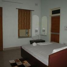 Madhepura Hotels in Madhepur