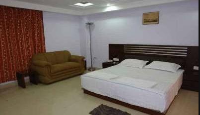 Madhulika Hotel in Bansjora