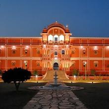 Maharaja Palace Samode in Jairampura