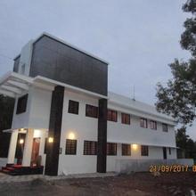 Makil House in Padne