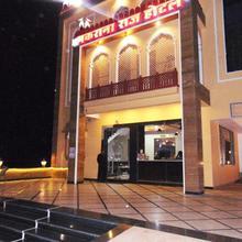 Makrana Raj Hotel in Sri Madhopur