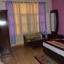 Malari Inn in Govindghat