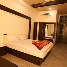 Manglam Resort & Restaurent in Garoth
