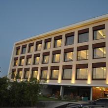 Mango Hotels Tansha Regal in Savli