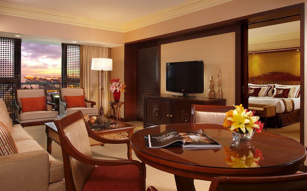 Manila Hotel in Manila