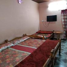 Mani's Homestay in Valparai