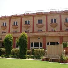 Mansingh Palace, Ajmer in Lawa Sardargarh