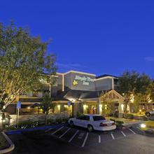 Maple Tree Inn in Palo Alto