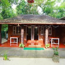 Marari Swapna Beach Villa in Shertallai