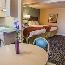 Marinwood Inn & Suites in Novato