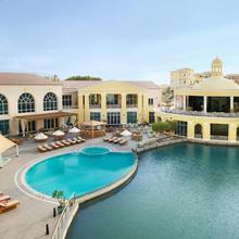 Marriott Executive Apartments Dubai, Green Community in Dubai