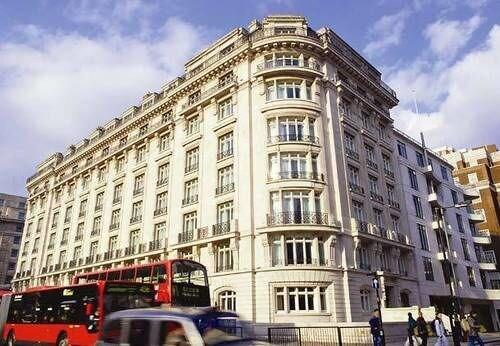 Marriott London Park Lane in East Ham