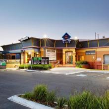 Meadow Inn Hotel-motel in Melbourne