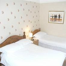 Meadowlea Guest House in Bridestowe
