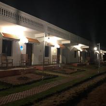 Meenakshi Vilas in Shencottah