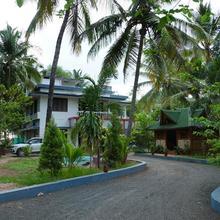 Meenkunnu Beach Resort in Kannur