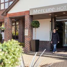 Mercure Dartford Brands Hatch Hotel & Spa in West Malling