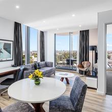 Meriton Suites Mascot Central in Sydney